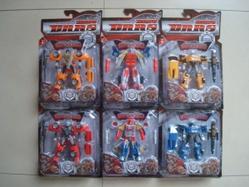 Игрушки:Роботы, трансформеры:Трансформеры, бакуганы:Робот HK852A машина, в блистере 35,5*23*5,5 см